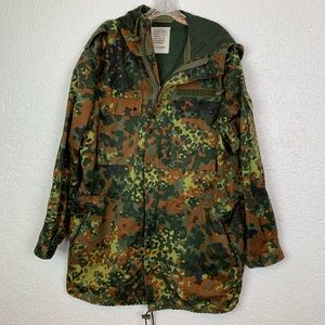 Vintage army camo jacket VGUC XL military issue
